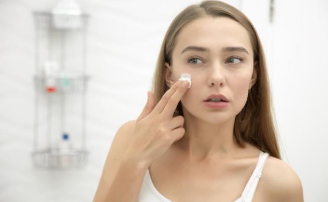 memanfaatkan produk skin care