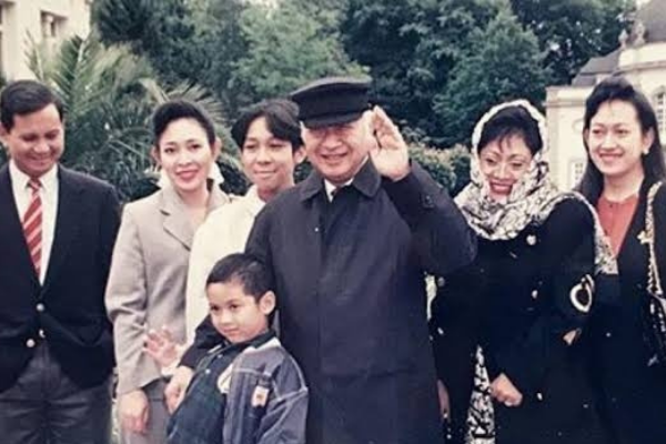 Gugat 5 Anak Soeharto